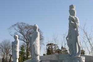 礼拝三石仏
